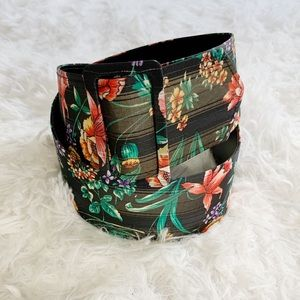 VTG black red floral fabric belt Small to Large